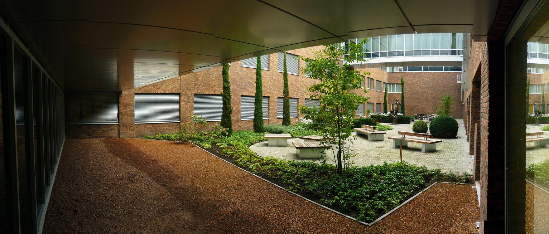 1-groenehartziekenhuis-gouda-patio2-vanbeekrietveldbeaufort
